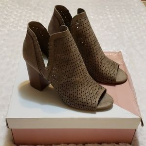 🆕️ NIB Fergalicious ankle boots